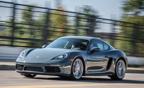 «Выглядит чудесно»: Porsche 718 Cayman S в необычной расцветке удивил воронежцев