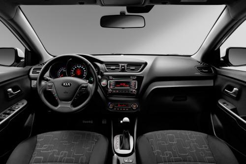 «Свет как на Мерсе»: Владелец KIA Rio откровенно высказался о достоинствах и недостатках машины