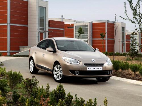 «Когда на ремонт нет времени»: Что нужно знать о подержанном Renault Fluence выяснил блогер