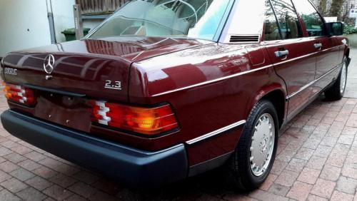 Идеальное состояние: Mercedes-Benz 190E 1986 года продают за 4 миллиона