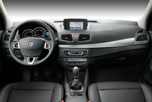 «Скорее жив, чем мертв»: О состоянии Renault Fluence за 100 тысяч рублей рассказал владелец
