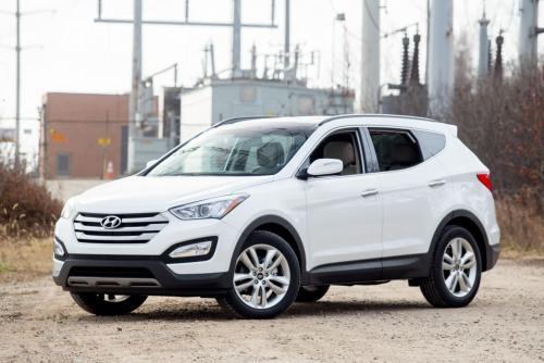 «Крутой даже в базе!»: Hyundai Santa Fe в начальной комплектации оценил блогер