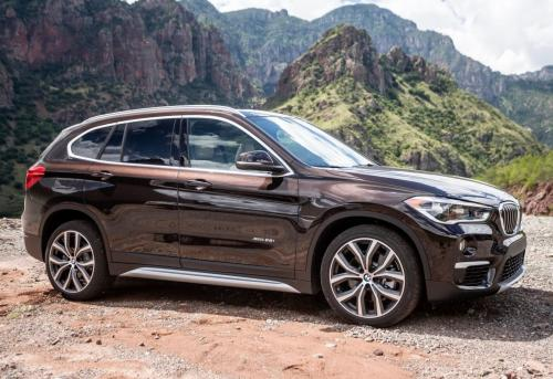 Фирменные цвета и свежий интерьер: Официально представлено новое поколение кроссовера BMW X1