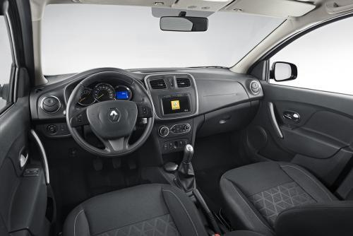 «Значок с фуры сняли»: Откровенно о Renault Sandero Stepway 2 высказался блогер