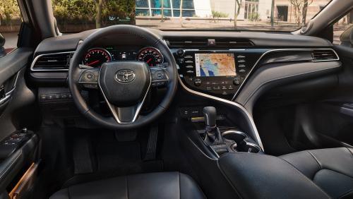 «Шумоизоляция как у Жиги»: Блогер поделился впечатлениями от новой Toyota Camry