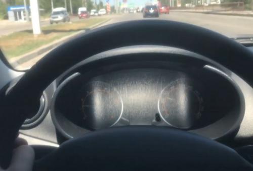 «АвтоВАЗ снова косячит»: Владелец LADA Granta пожаловался на недочет модели