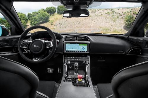 «Экстремальный люкс»: Представлен суперседан Jaguar XE SV Project 8 Touring