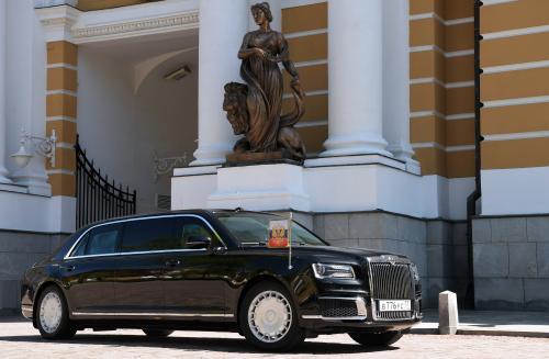 10 млн рублей за лимузин? Стартовали предварительные заказы на автомобили Aurus