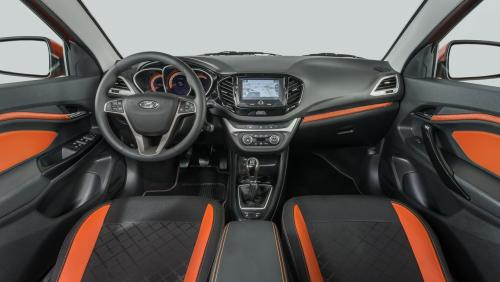 «АвтоВАЗ сделал иномарку»: Владелец LADA Vesta SW Cross озвучил плюсы и минусы универсала