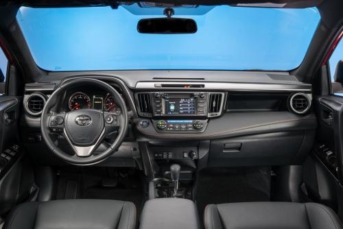 Жизнь после «корейцев»: Владелец Toyota RAV4 назвал причину покупки кроссовера