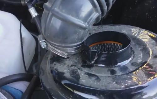 «Вся грязь в мотор»: Владелец УАЗ «Патриот» показал производственный «косяк» внедорожника