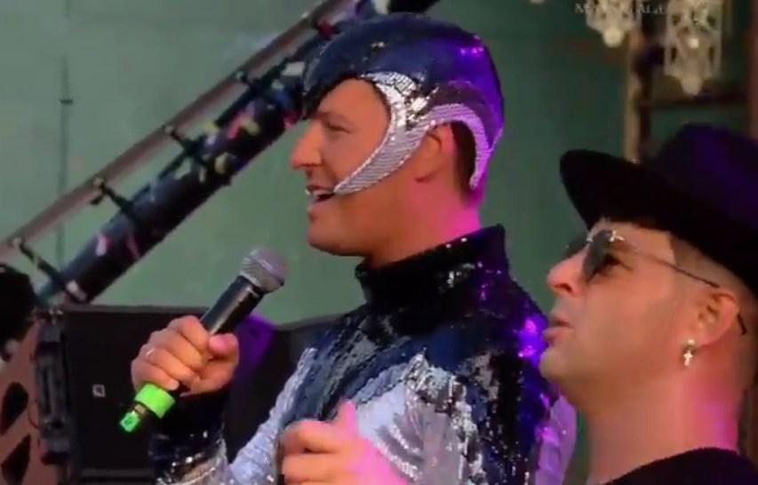 Витас выступил наглавном европейском фестивале электроники смемной песней изнулевых