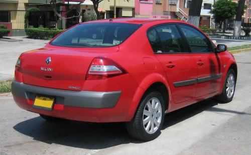 «Дорого, но любо»: Владелец рассказал, сколько вложил в Renault Megan 2 за год