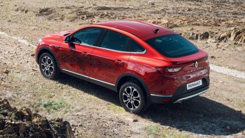 «Она меня заарканила»: Блогер поделился восторгами от тест-драйва Renault Arkana