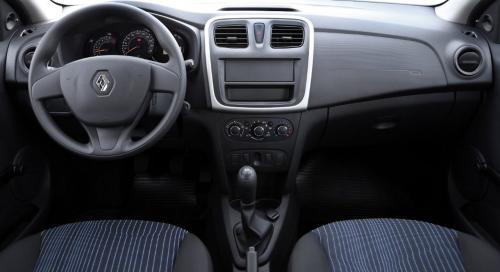 «Не знаю, кто захочет тратить такие баснословные деньги»: Блогер раскритиковал новый Renault Logan