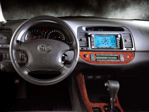 Прошлый век, но популярная: Эксперт раскрыл слабые и сильные стороны Toyota Camry 30