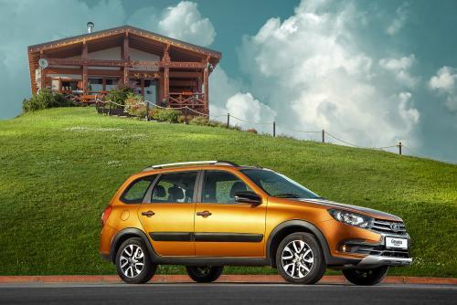 «Если хочется новый автомобиль, но денег не хватает»: Обзорщик рассказал, что представляет из себя LADA Granta Cross с AMT