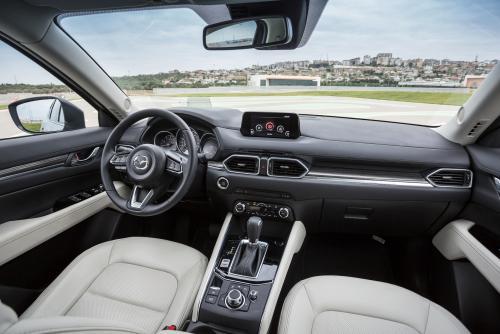 Автоэксперт рассказал о «фишках», доступных в обновленной Mazda CX-5