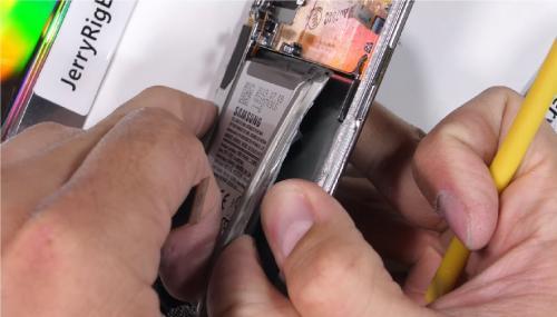 Разъём для наушников в Galaxy Note 10+ убрали ради продаж наушников