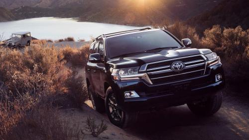 А УАЗ с «Русским Прадо» не торопится: Появление нового Toyota Land Cruiser 300 даст возможность японцам захватить рынок