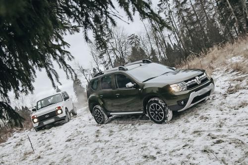 Более русский, чем «Нива»: Renault Duster побеждает LADA 4x4 Urban на снежном бездорожье