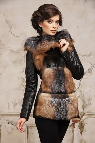 Мода с ароматом паутины: ТОП-4 наряда, которые сгубят образ «жены дипломата»